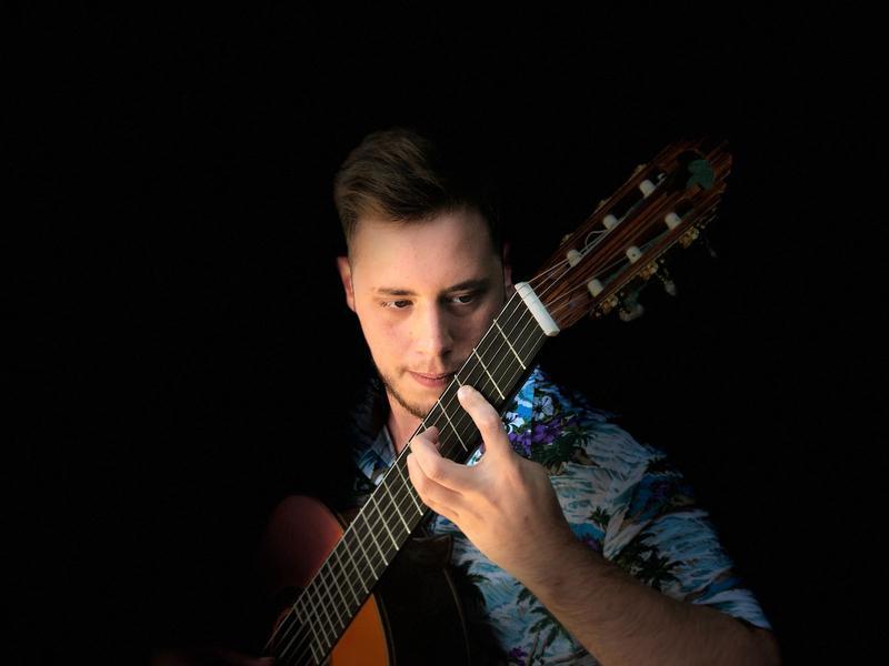 Suonare ti dà tanta soddisfazione, benessere ed emozione - Intervista al chitarrista Ivano Pagliuso