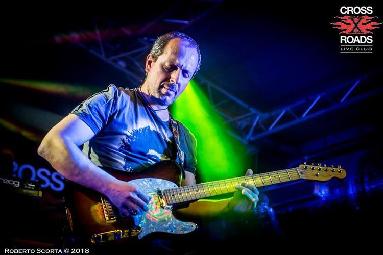 La gente vuole verità, vibrazioni ed emozioni - Intervista al chitarrista Giuseppe De Paolo