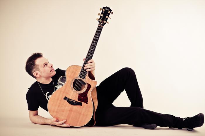 La mia grande passione per la produzione musicale - Intervista al chitarrista e cantautore Alberto Lombardi