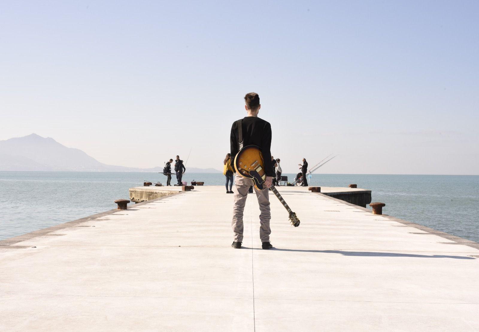 Il web ha impiantato ormai radici nella nostra quotidianità - Intervista al chitarrista Davide Correra degli Aftersat