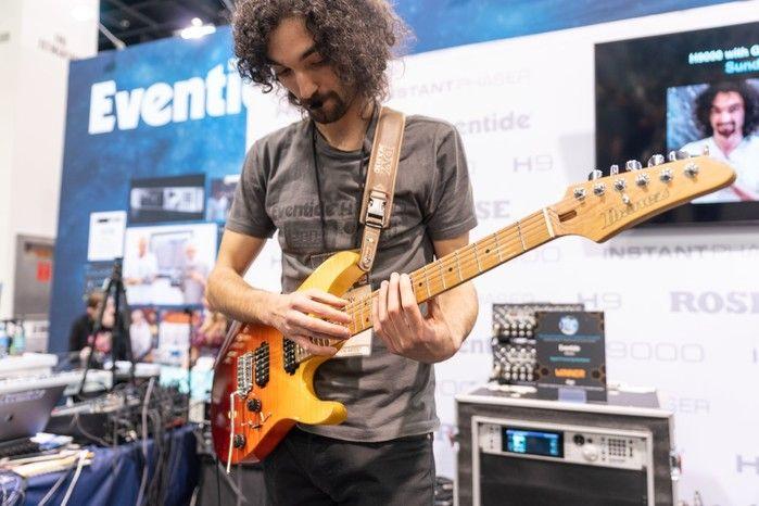 La musica avrà sempre il suo spazio nel mondo - Intervista all'insegnante e chitarrista Vanny Tonon