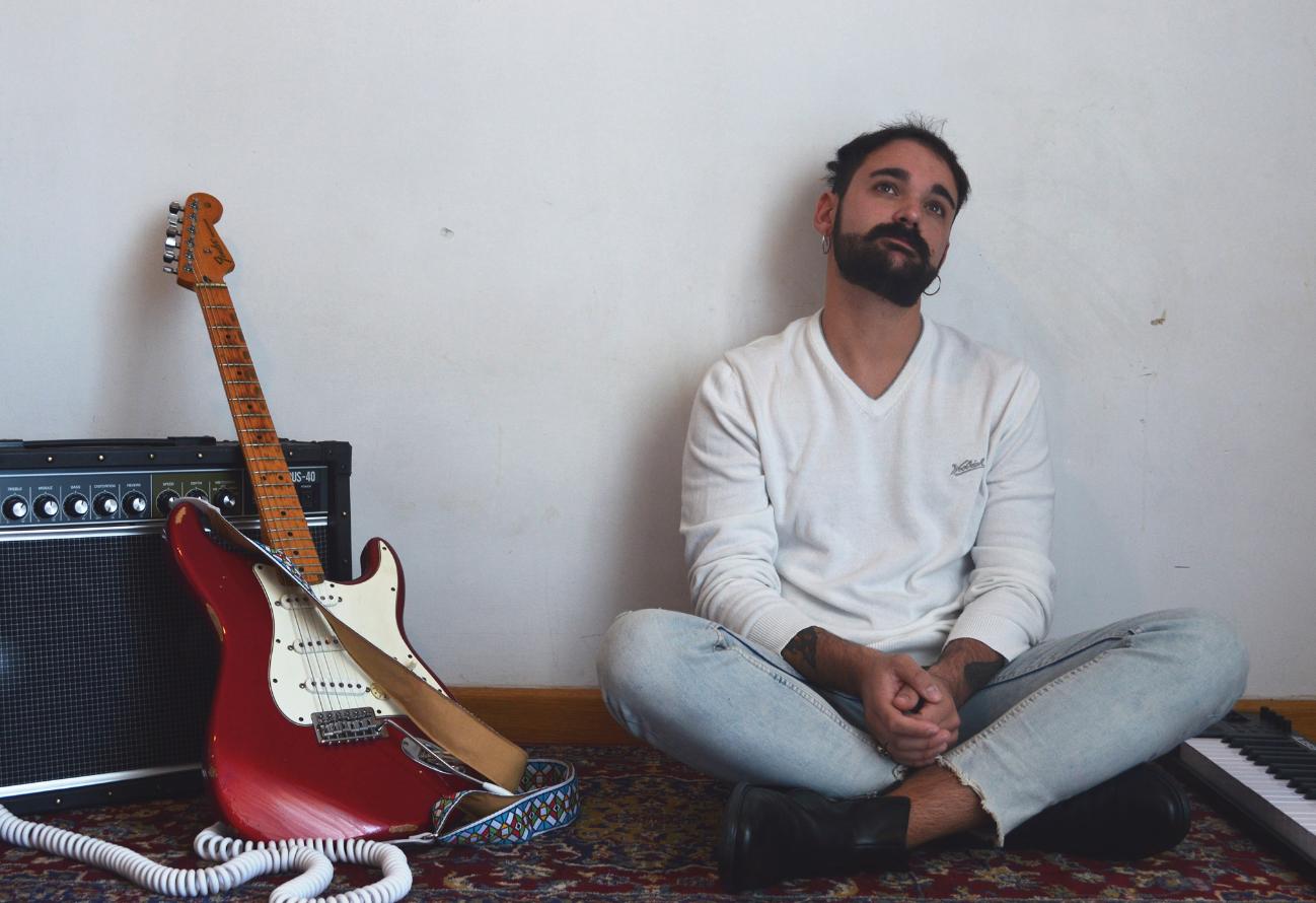 La musica dal vivo è stata rivalutata anche come forma di intrattenimento - Intervista al cantautore Martiny