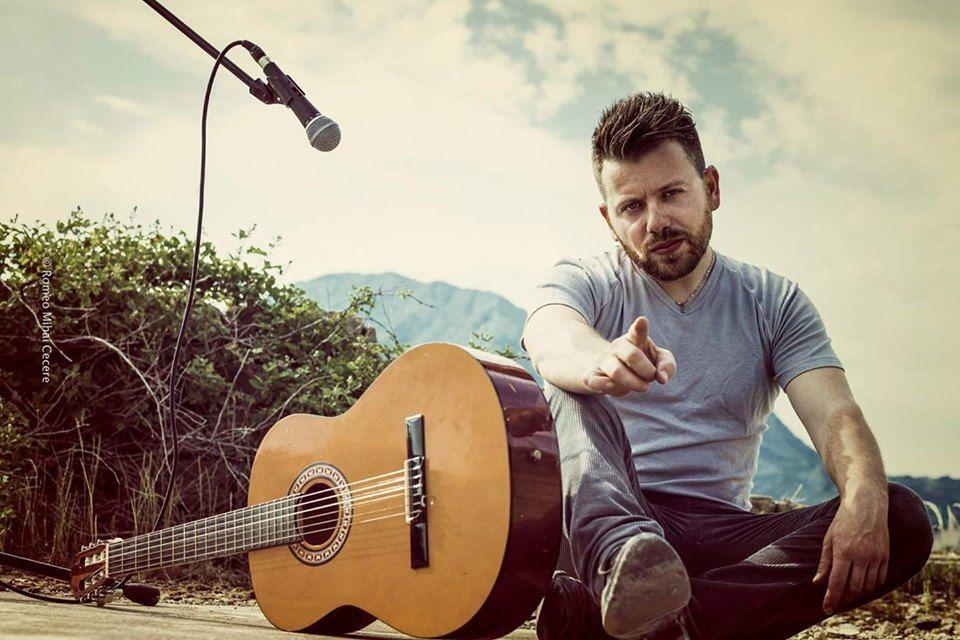 Ho un sogno: quello di poter vivere di musica - Intervista al cantautore Fabian Wolf