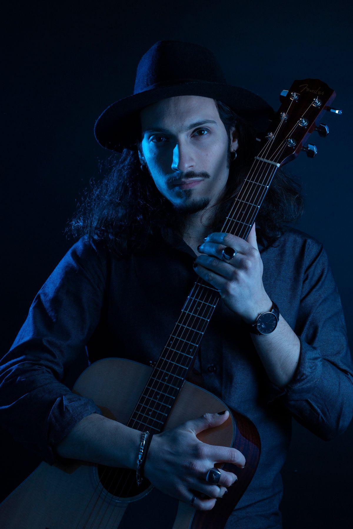 Oggi i social sono molto importanti per un artista figuriamoci per un emergente - Intervista al cantautore Nero Music