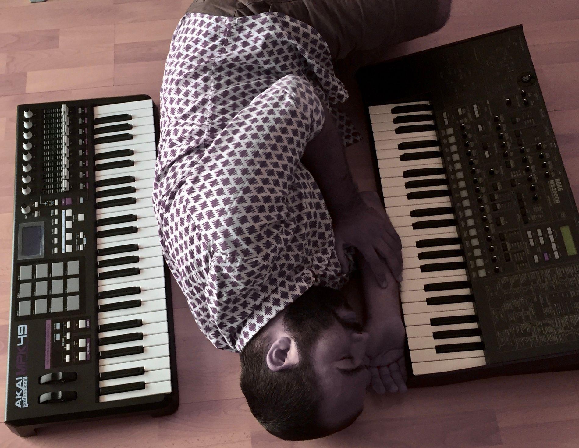 Lemonille, il cantautore esce con il singolo Synopsis