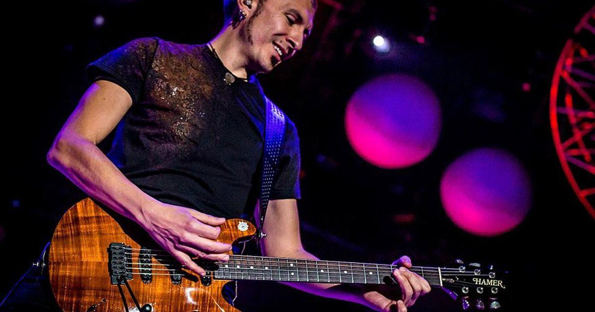 Il chitarrista Massimo Varini: Il suo nuovo libro s'intitola Come la pastura per il pescatore e il vento per l'aquilone