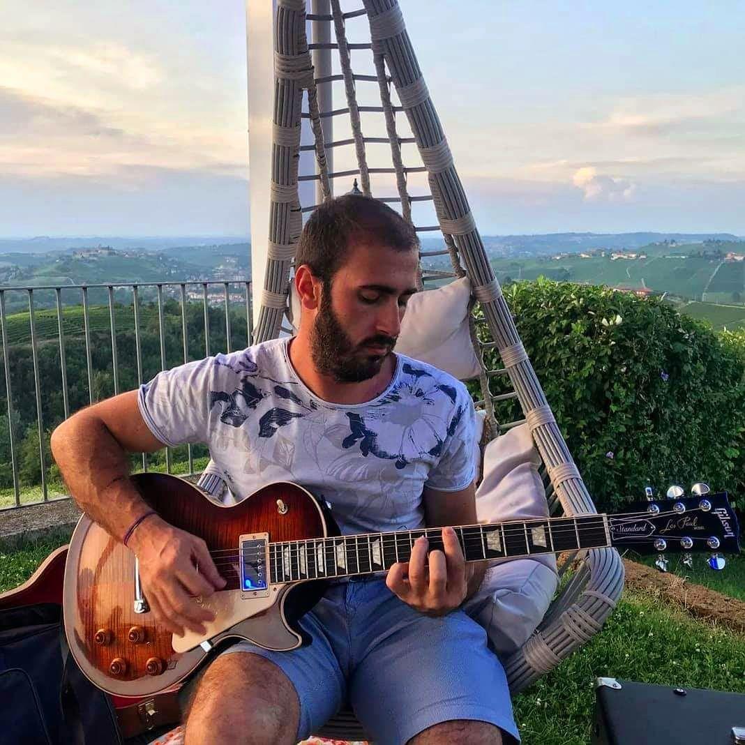 Il tempo non si può fermare,  i fatti accadono ed il passato non si può cambiare - Intervista al cantautore Diego Rocca