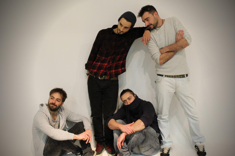 Call Me Mad canta la band Red Roll nel nuovo singolo