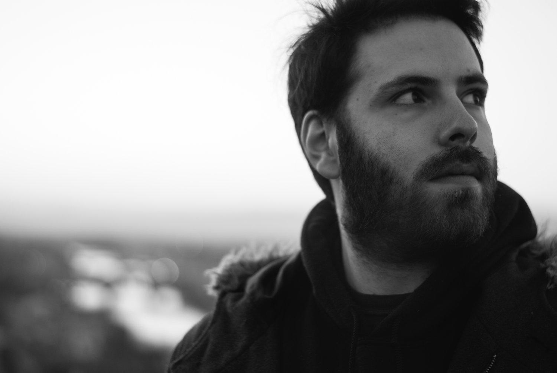 Temo che la musica stia diventando troppo dipendente da like e views - Intervista al cantautore Leave Bennie Alone