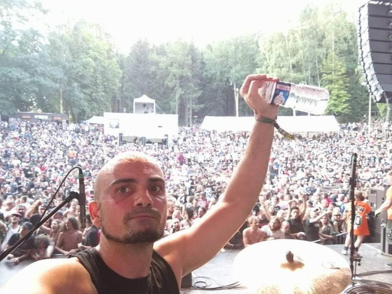 Selfie di Raphael Saini ad un concerto